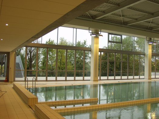 Piscine de caluire menuiseries ext rieures acier am for Piscine caluire